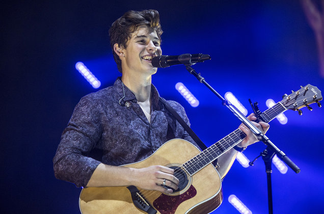 Shawn Mendes at Golden 1 Center